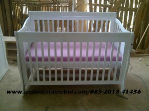 Tempat Tidur Bayi IM132