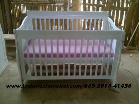 tempat-tidur-bayi-im132