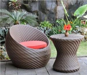 Meja Kursi Oval Taman Rumah