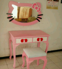 Meja Rias Anak Hello Kitty